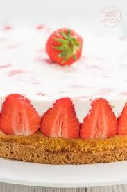 erdbeer sahne torte backen macht glücklich