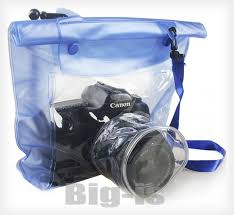 Protect Your DSLR Around Water the Cheap with a Camera Case Dry Bag