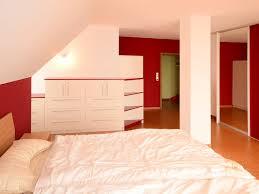 schlafzimmer in rot weiß schreinerei niebler moderne