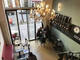 gemütliches café auf der venloer straße in köln kaffee und