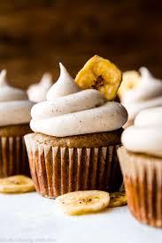 bananen kleine kuchen mit dem zimt frischkäse bereifen