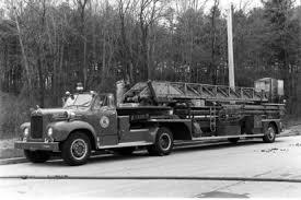 Eye Candy: 1962 Mack B-85F Fire Truck   The Star