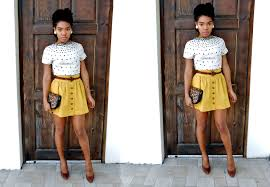 how to style a mustard yellow skirt