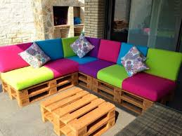 canapé couleur canapé de couleur pour la terrassemeuble en palette meuble en