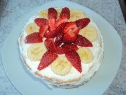 mini erdbeer bananen torte