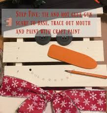 Diy Rustic Christmas Pallet Snowman Adding The Finishing Touches