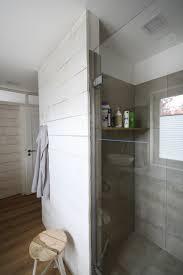 schwarzwälder schreinerwerk ein lässiges bad aus holz und beton