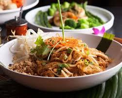 cuisine thailandaise recettes recette pad thaï nouilles de riz sautées au poulet facile rapide