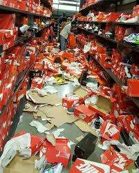 Nike Outlet by Nike Seattle Outlet Trashed For Black Friday Sole Collector