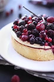 gâteau à la crème mousseline vanille et fruits rouges recette