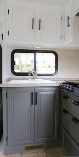 Camper Interior Decorating Ideas by Best 25 Small Camper Interior Ideas On Pinterest Tiny Camper