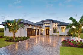 104 Contempory House Southern Contemporary Plan With Outdoor Living In Back 86053bw Architectural Designs Plans
