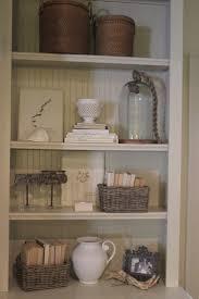 Decorating Bookshelves In Family Room by Best 25 Arranging Bookshelves Ideas On Pinterest Decorate