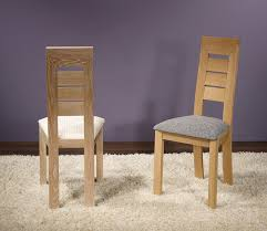 chaise en ch ne massif chaise mathis en chêne massif ligne contemporaine meuble en chêne