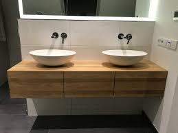 waschtischplatte waschtisch baumkante regal holz fensterbank