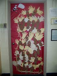 Kindergarten Christmas Door Decorating Ideas by Backyards Images About Teacher Door Decorations Red
