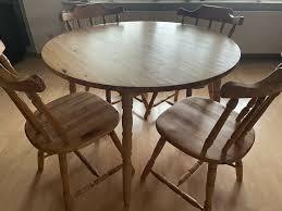 runder tisch holz mit stühle sitzgruppe esstisch