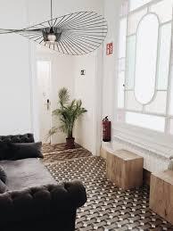 wohnzimmer mit hängeleuchten stilgerecht verschönern