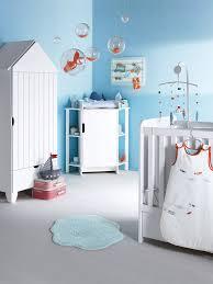 deco mer chambre chambre bébé enfant déco bord de mer mur bleu armoire cabine