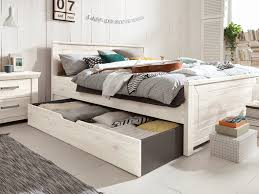 ordentliches schlafzimmer möbel wallach