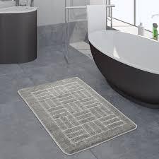 moderner badezimmer teppich badvorleger kariertes muster