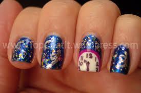 Chic peek – beautiful festive nail art ideas – LifeStuffs