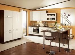 ile cuisine île allongée marron foncé armoire de cuisine en bois blanc wallpaint