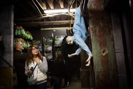 Rickys Halloween Locations Brooklyn by Halloween Pop Ups Carve A Niche In Retail Wsj