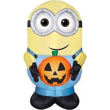 gemmy airblown inflatable 4 5 x 3 minion dave with pumpkin