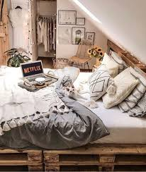 bedroom livestyle interior decor staging yatak odası