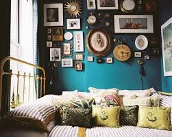 Bedroom Attractive In Vintage Style Decorations With Classic Wall Ornaments Also Applying Antique Bed