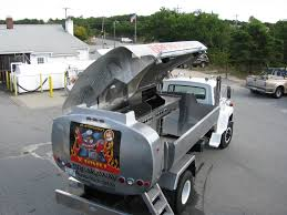 100 Grills For Trucks This Man Turned An Oil Truck Into A Massive Rolling Barbecue Grill
