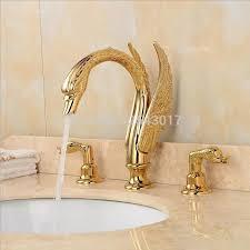 königliche edle wunderschöne bad schwan armaturen 3 stücke luxus hohe qualität goldene messing 3 löcher badewanne armaturen zr479