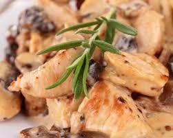 cuisine escalope de dinde recette escalopes de dinde aux chignons et à la crème fraîche