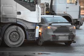 Avoiding Deadly Truck Collisions - Tampa Personal Injury Attorney