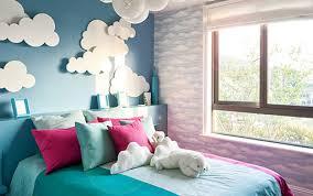 schöne deko idee für blaue wand