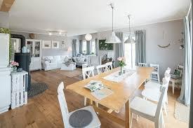 modernes nordisches wohnzimmer im bild kaufen 71230379