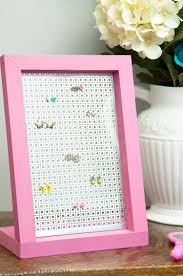 This Is So Easy Even I Could Make It Organize Your Favorite Earrings With