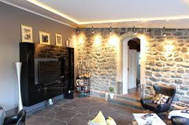 renoviertes wohnzimmer mit plameco decke und leds plameco