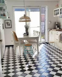 weiße küchen mit holzarbeitsplatten die schönsten ideen