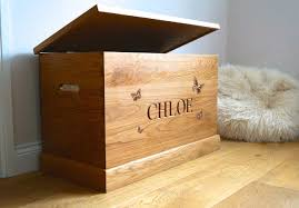 personalised wooden toy boxes makemesomethingspecial com