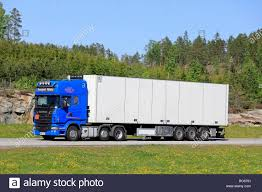 100 Rc Semi Trucks And Trailers Trailer Food Stock Photos Trailer Food Stock Images Alamy