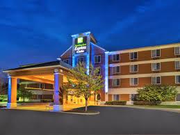 Lamp Post Inn Hotel Ann Arbor by Holiday Inn Express U0026 Suites Ann Arbor Hotel By Ihg