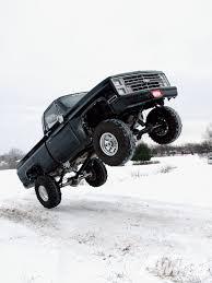 Truckdome.us » Michigan 4×4 Mayhem 1986 Chevy Truck Dream Garage