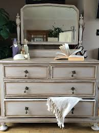 Annie Sloan Old White With French Linen Chalk Paint Finished Dark Wax