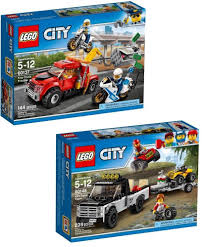 Lot Of 2 LEGO CITY 2017 60137, 60148 Age 5-12 5 Minifigs Combined ...