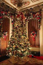 Prelit Christmas Tree That Lifts Itself by Ocean Breezes And Country Sneezes Victoria Mansion Dressed For