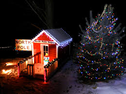 Bellevue Singing Christmas Tree by Take This Christmas Polar Express Train Ride In Iowa