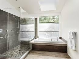 eingebaute badewanne und große walk in dusche bad neu