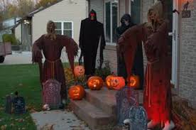 Halloween Express Hours Milwaukee Wi by Trick Or Treat Times Costumes And More From Today U0027s Tmj4
